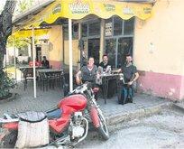 Köy kahvesinde sohbet