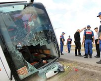 Amasyada feci kaza! Yolcu otobüsü devrildi