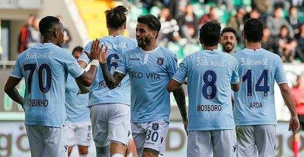Avrupa'nın zirvesinde! Medipol Başakşehir Avrupa'nın en az gol yiyen takımı oldu