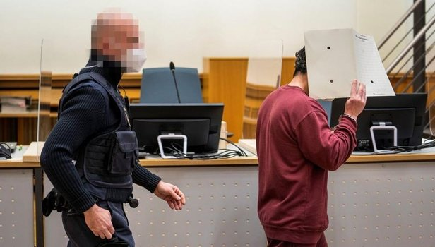 Alman mahkemesi Esad'ın istihbaratçısını mahkum etti