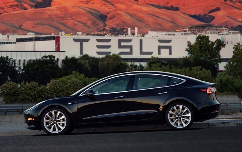 Elon Musk açıkladı! Teslanın hangi modelleri Türkiyeye gelecek?