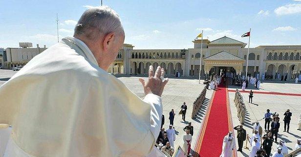 Öp Papa'nın elini