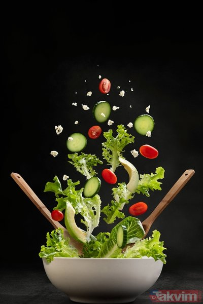 Meğer hepimiz yanlış biliyormuşuz! Soğan ve sarımsağı asla böyle yemeyin, çünkü...