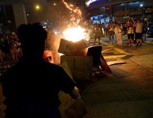 Hong Kong'da gerilim tırmanıyor! Sokaklar yangın yeri