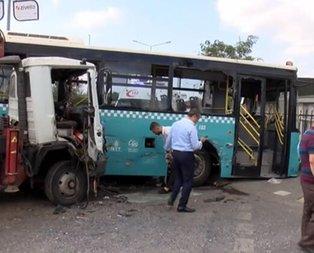 Halk otobüsüne vinç yüklü kamyon çarptı