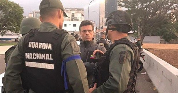 Muhalif lider Lopez Şili Büyükelçiliğine sığındı