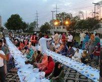 Kızılay'dan Pakistan'da 500 kişilik iftar