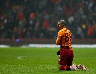 Galatasaray'da gözler Feghouli'de! Para kazandırmadan ayrılabilir