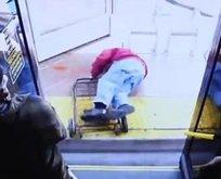 Yaşlı adamı otobüsten itip öldürdü