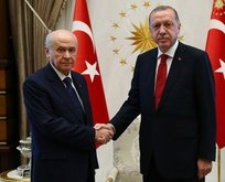 Bahçeliden Erdoğana tebrik telefonu