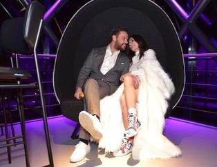 Burcu Kıratlı ile Sinan Akçıl'ın Amsterdam'daki düğününden çok özel kareler! Burcu Kıratlı kimin kızı?