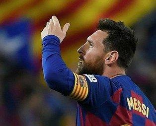 Lionel Messi kararını verdi: Barcelona'da devam edeceğim!
