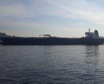 Dev gemi Boğaz'dan geçti