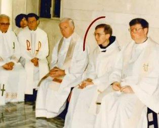 Ajan Brunsonu ziyaret eden gizemli papaz James McCurry kim?
