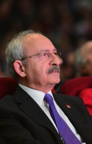 Canan Kaftancıoğlu Twitter'da militan gibi