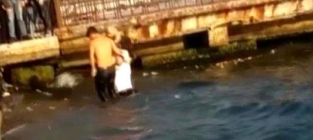 Beşiktaş'ta durağa daldıktan sonra denize atlayan şoförün kurtarılma anı kamerada! 'Öldürün beni' diye bağırdı
