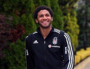 Beşiktaş'ın Mısırlı oyuncusu Elneny cuma namazı sonrası Bakara Suresi'ni okudu