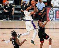 Lakers Houston'ı geçti