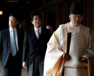 Abe'den tartışmalı tapınağa ziyaret