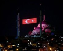 90 bin camide eş zamanlı sela