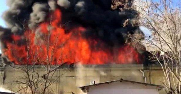 Dev fabrika alev alev yanıyor! Fotoğraflar az önce geldi