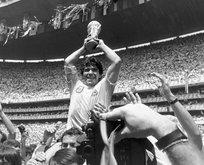 Futbol dünyasından bir Maradona geçti!