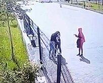 Diyarbakır'da kız kavgası! Biri çantayı tuttu...