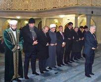 Başbakan Yıldırım Tataristan'da namaz kıldırdı