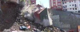 Kağıthane'de bina çöktü! Binanın çökme anı kamerada