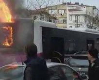 Fatih'te panik anları! Halk otobüsü alev aldı