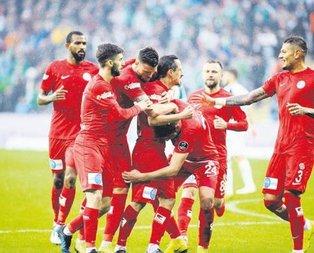 Timsah avcısı Antalyaspor