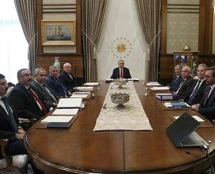 Cumhurbaşkanlığı Yüksek İstişare Kurulu Toplantısı'nda (YİK) 'FETÖ ile mücadelede kararlılık' vurgusu
