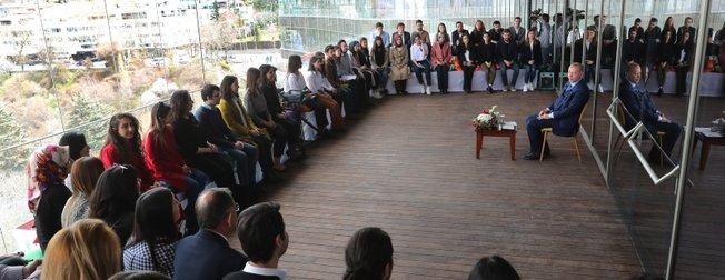 Başkan Erdoğan gençlerle Atakule'de buluştu