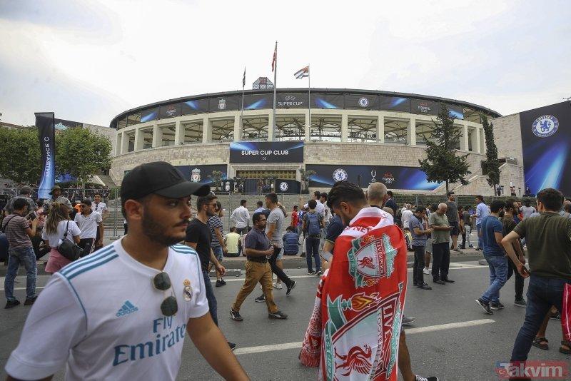 Chelsea Liverpool maçına yoğun ilgi! İstanbul'da renkli görüntüler...