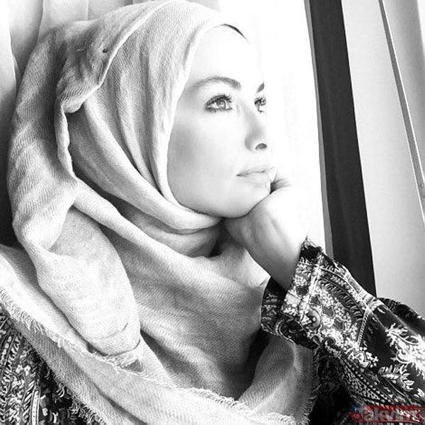 Arka Sokaklar dizisinin 'Zeynep'i Gamze Özçelik'in kardeşini görenler şaşkınlığını gizleyemedi