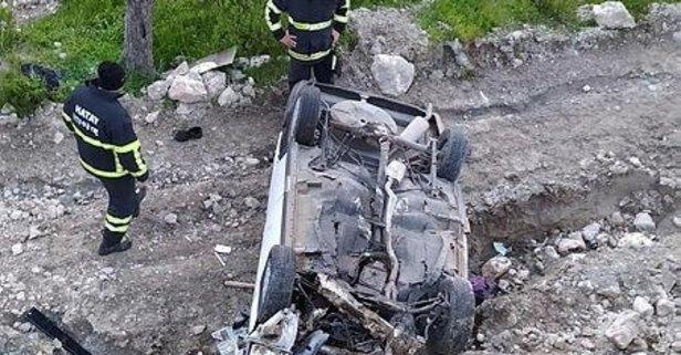 Hatay'da otomobil uçuruma yuvarlandı: 4 yaralı