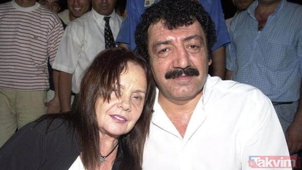 Müslüm'ün eşi Muhterem Nur'dan yıllar sonra gelen itiraf! Aslında gerçek çok başkaymış... Meğer Müslüm Gürses...