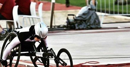 Milli atletler Zübeyde Süpürgeci ve Hamide Kurt rekor kırdı