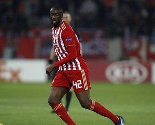 Olympiakos, Yaya Tourenin sözleşmesini feshetti