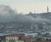 Eminönü'nde bir iş yerinde yangın!