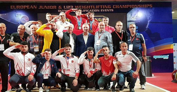 Avrupa şampiyonu Özbek'ten asker selamı