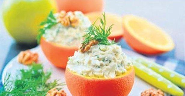 Elmalı ve portakallı kereviz salatası