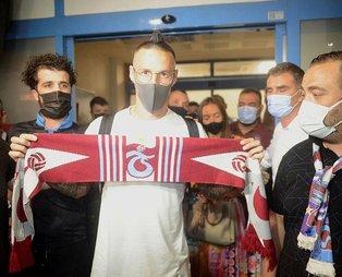 Trabzonspor'un yeni yıldızı Marek Hamsik şehre geldi: Taraftarlardan coşkulu karşılama