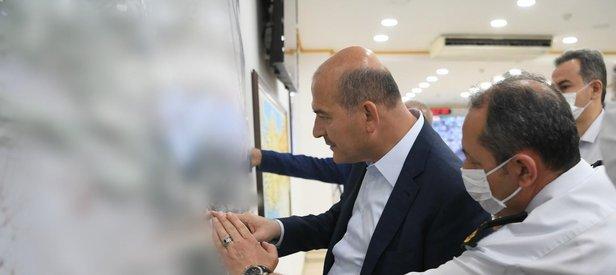 İçişleri Bakanı Süleyman Soylu, Jandarma Harekat Merkezi'nde incelemelerde bulundu