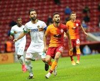 Galatasaray'a imza müjdesi! Yıldız isim takımda kalıyor