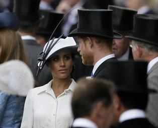 Prens Harry ile Meghan Markle tepkiler üzerine ülkeyi terk ediyor! Yaşananlar Meghan'ın planı mı? Dünya basını çalkalandı