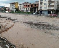Son dakika: Karadenizde yeni taşkın! Sahil yolu ulaşıma kapatıldı