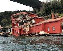 İstanbul Boğazında kaza! Gemi yalıya çarptı