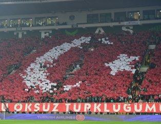Bursaspor'dan Fenerbahçe maçı öncesi müthiş koreografi!
