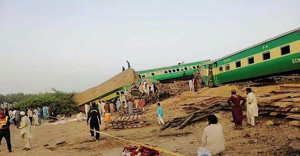 Pakistan'da yaşanan tren kazasının bilançosu artıyor